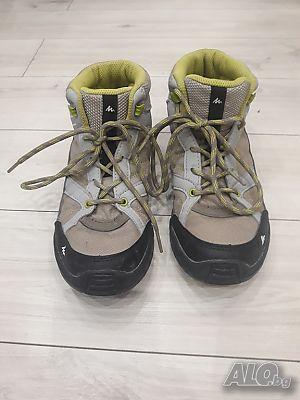 2ec7866fdcf Юношески високи обувки марка Quechua Decathlon